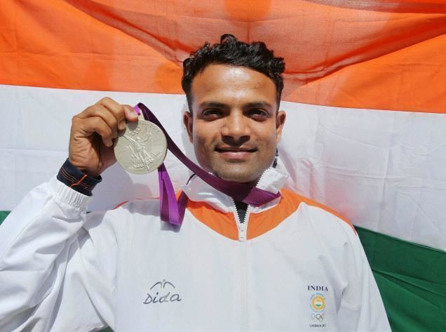 Vijay Kumar (sport shooter) Olympics Vijay Kumar wins silver to give India second