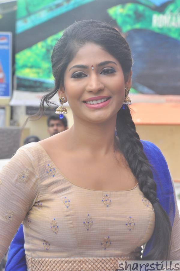 Vijayalakshmi (Tamil actress) Vijayalakshmi Agathiyan at Aadama Jeichomada Movie Audio