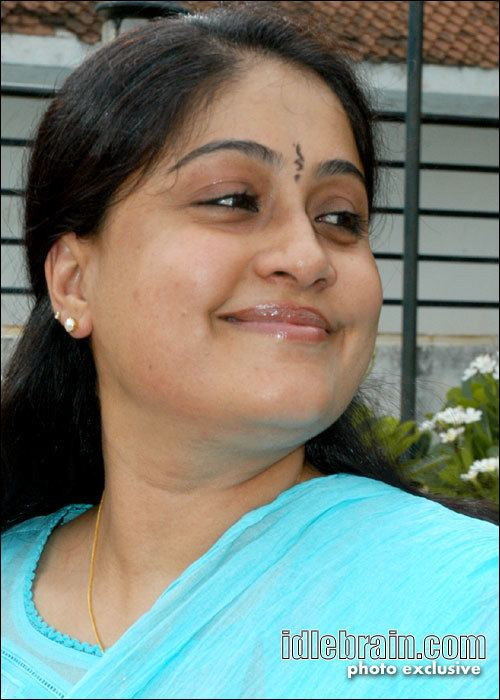 Vijayashanti wwwidlebraincomimages2newpgvijayashant30jpg