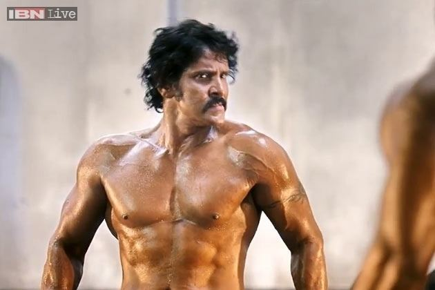 Vikram (actor) Actor Vikram sweating out the Hindi dialogues for 39I