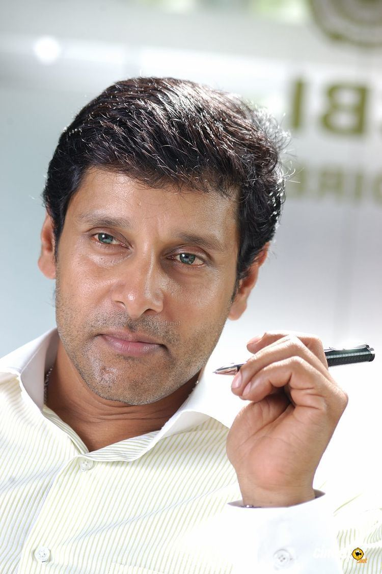 Vikram (actor) VikramActorPhotosJPG
