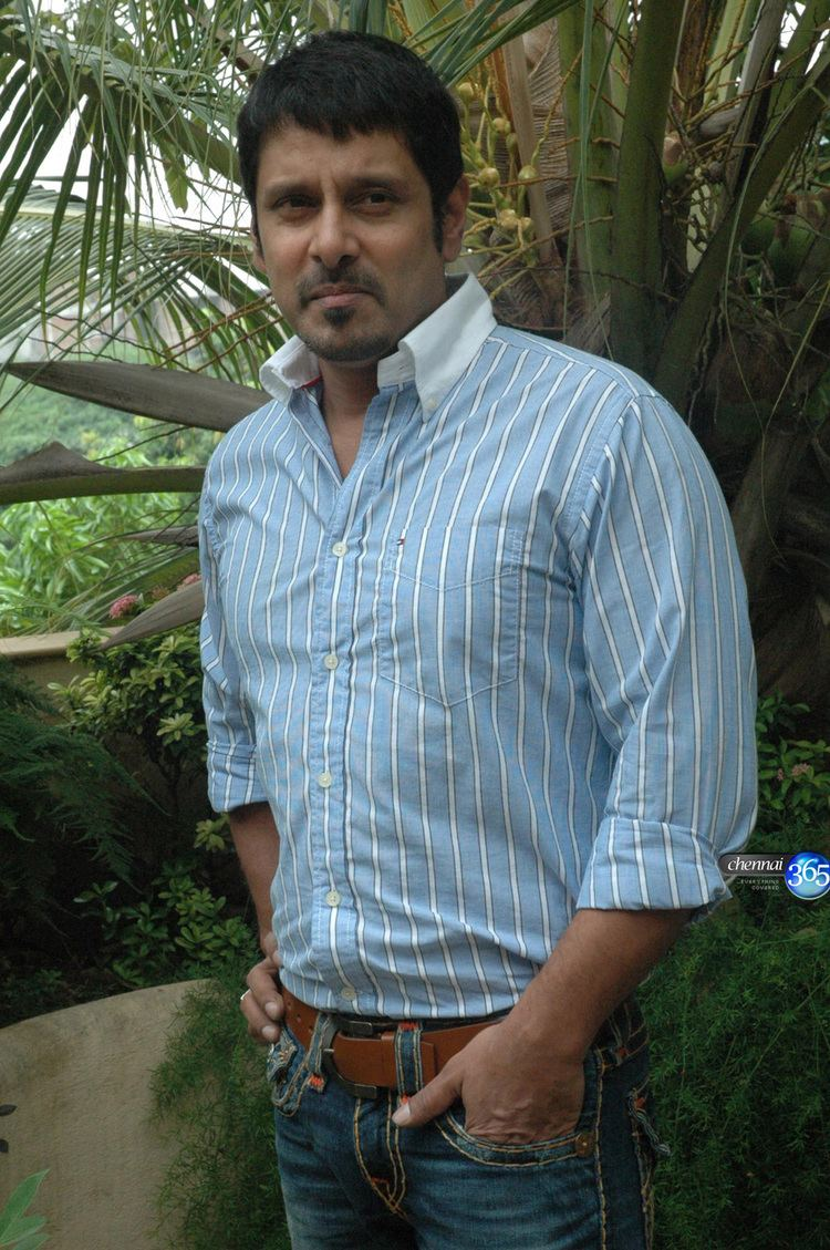 Vikram (actor) Chennai365 Actor Vikram in Ravanan Movie Promotion Stills