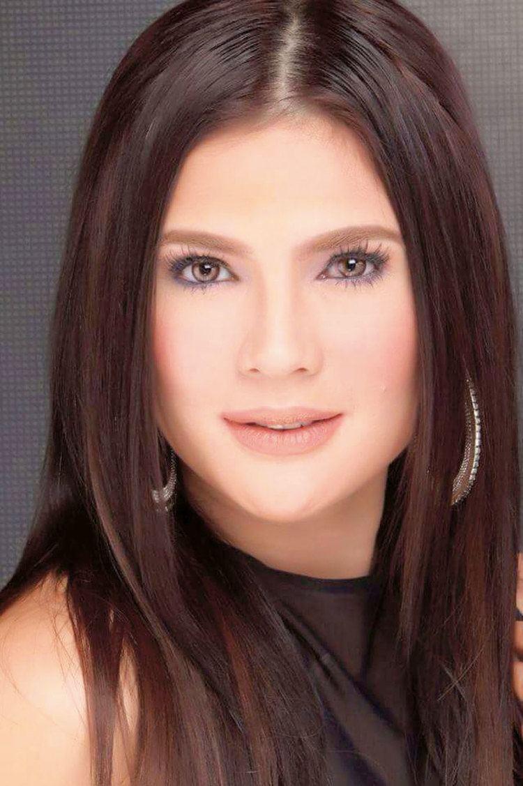 Vina Morales (b. 1975)