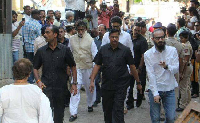 Vinod Khanna Vinod Khanna Actor And Politician Dies At 70 Of Bladder Cancer