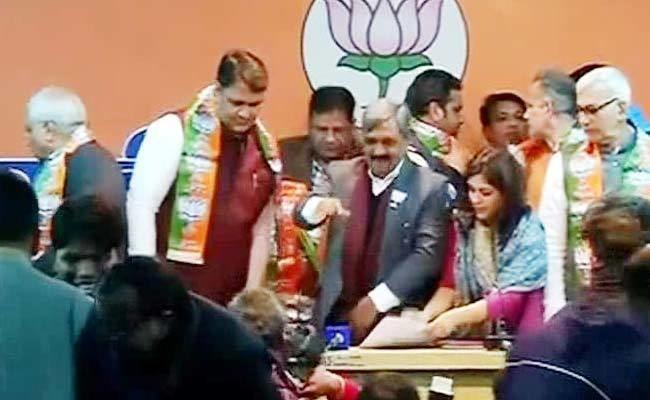 Vinod Kumar Binny AAP Lawmaker Vinod Kumar Binny Joins BJP