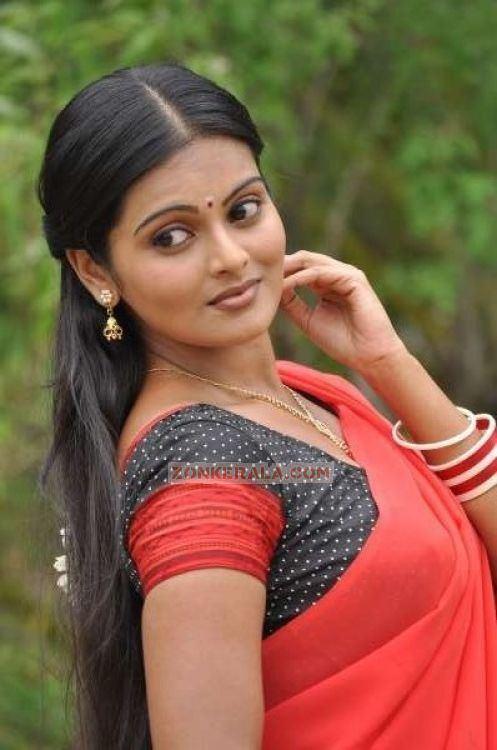 Vishnupriya (actress) Vishnupriya 8542 Malayalam Actress Vishnupriya Photos