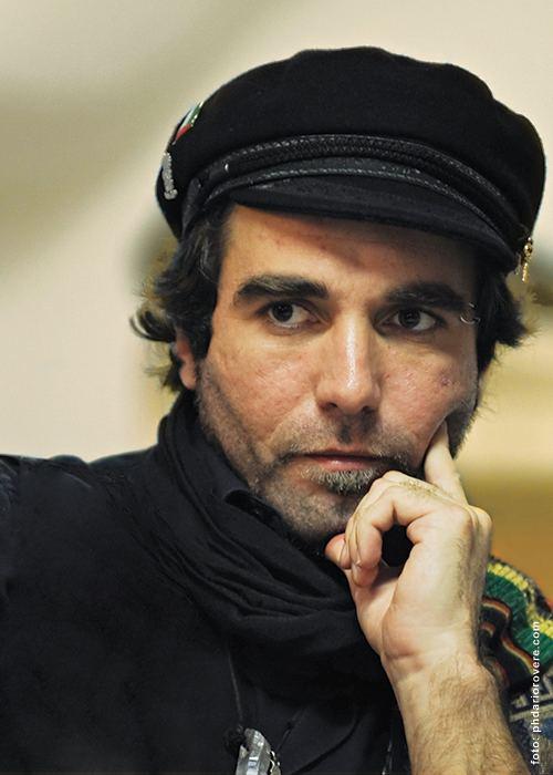 Vittorio Arrigoni RICORRENZE di Raffaella Sutter 15 aprile muore a Gaza