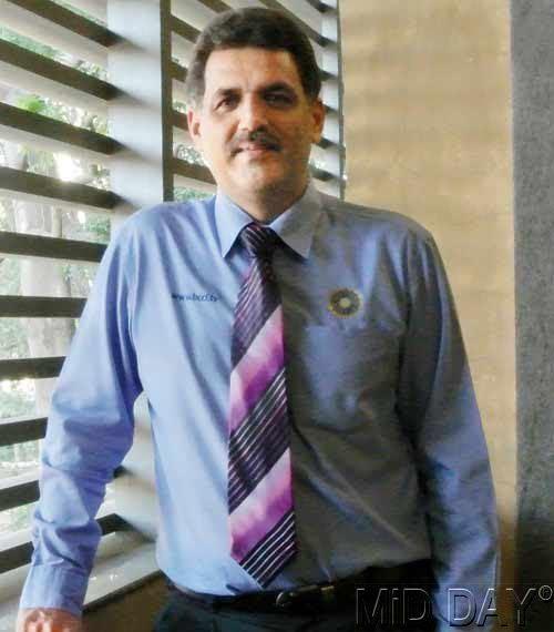 Vivek Razdan (Cricketer)