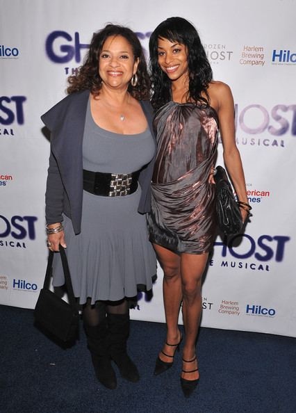 Vivian Nixon Debbie Allen and Vivian Nixon Photos Zimbio