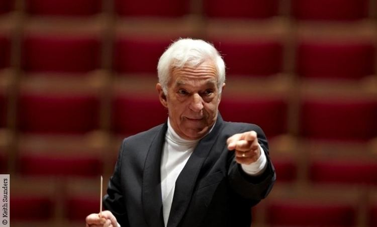 Vladimir Ashkenazy Conductors Philharmonia Orchestra