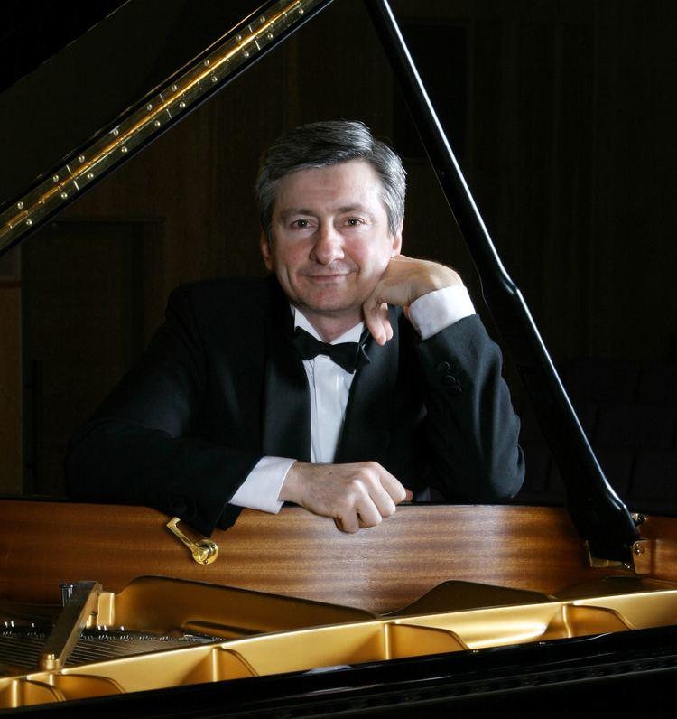 Vladimir Ovchinnikov (pianist) Vladimir Ovchinnikov Pianist