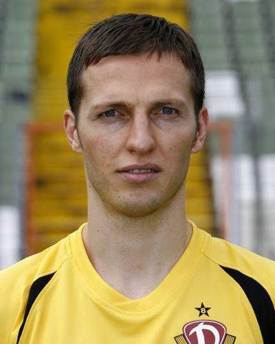 Volker Oppitz (footballer) httpssmediacacheak0pinimgcomoriginals89