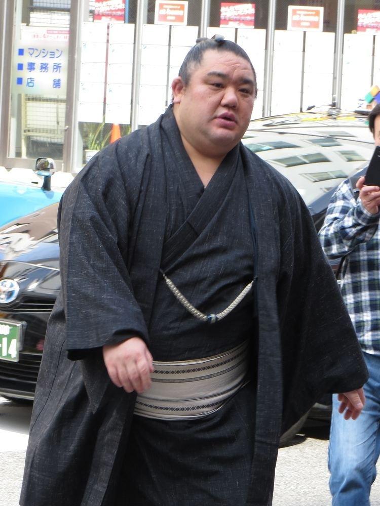 Wakanosato Shinobu httpsuploadwikimediaorgwikipediacommons55