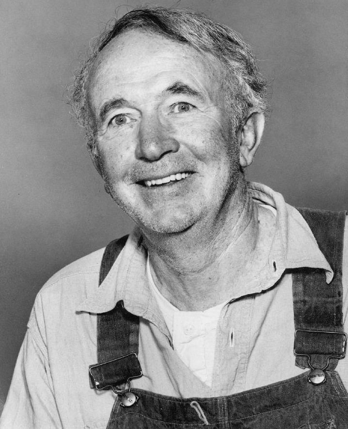 Walter Brennan Walter Brennan Wikipedia the free encyclopedia