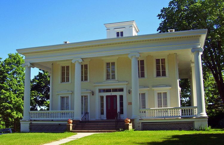 Walter Brewster House