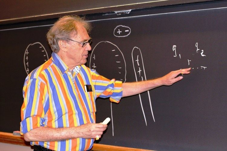 Electricity and magnetism video course by walter lewin sexual harassment