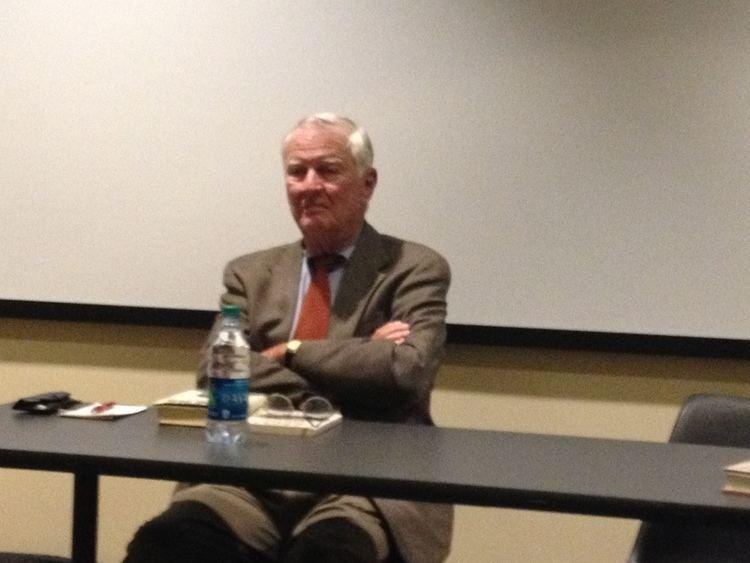 Walter Mears Former Associated Press reporter Walter Mears talks to journalism
