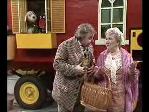 Wanderly Wagon Wanderly Wagon Godmother OBrien Judge goto the shops YouTube