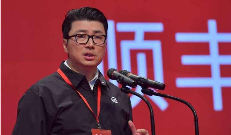 Wang Wei (businessman) SF Express chief Wang Wei unseats Hong Kong tycoon Li Kashing as