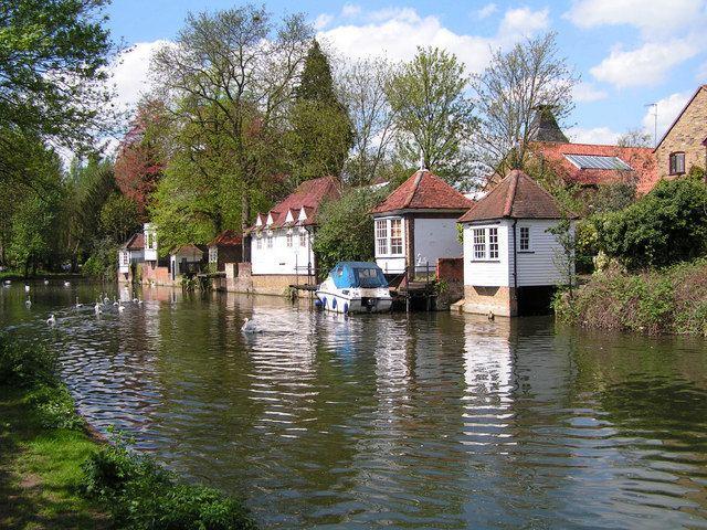 Ware, Hertfordshire httpsuploadwikimediaorgwikipediacommons22