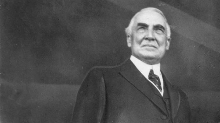 a biography of warren gharding born on a farm near blooming grove ohio Warren g harding biography warren gamaliel 1865, in blooming grove, ohio another economic contraction began near the end of harding's presidency in.