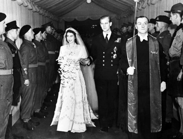 Wedding of Princess Elizabeth and Philip Mountbatten, Duke of Edinburgh vintage everyday Old Wedding Photos of Princess Now Queen