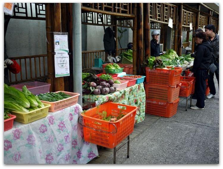 Weekend markets in Hong Kong