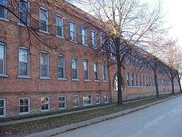 Weis Manufacturing Company building httpsuploadwikimediaorgwikipediacommonsthu