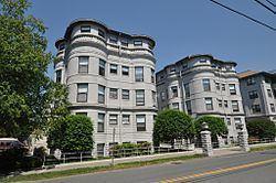 Weldon Hotel httpsuploadwikimediaorgwikipediacommonsthu