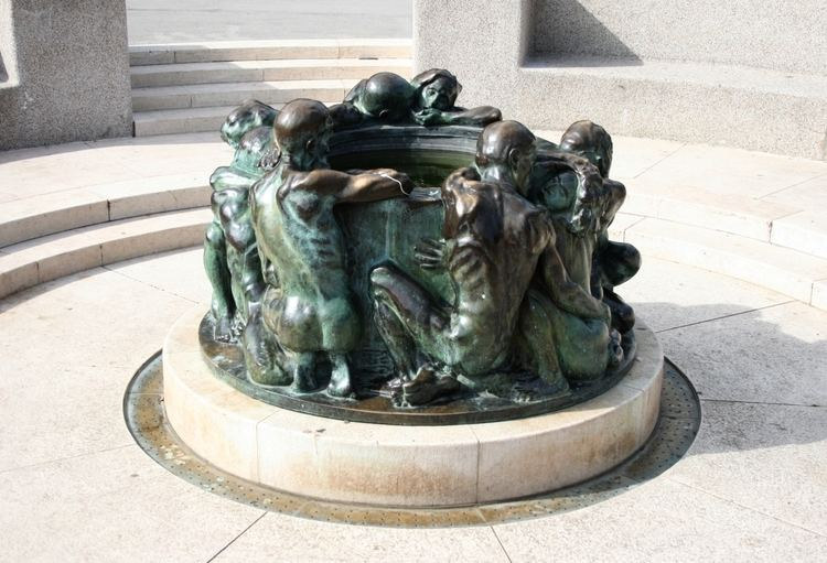Well of Life (sculpture)