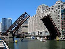 Wells Street Bridge (Chicago) httpsuploadwikimediaorgwikipediacommonsthu