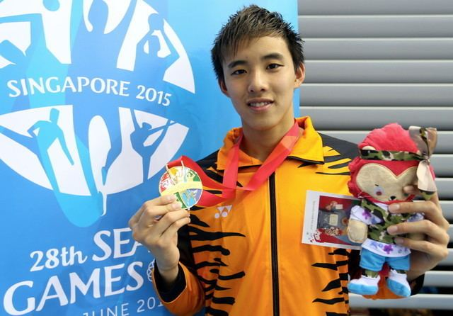 Welson Sim Welson Sim congratulated by PM after booking Rio 2016 slots