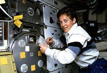 Wendy B. Lawrence NASA Astronauts Notable Graduates USNA