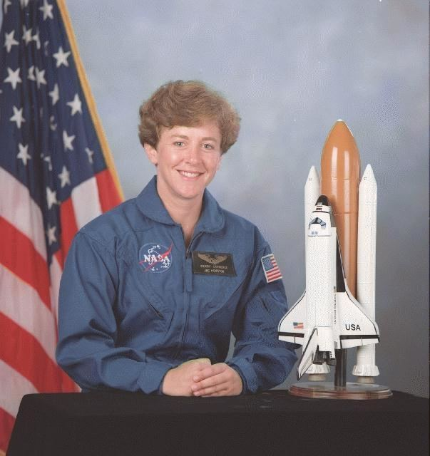 Wendy B. Lawrence Astronaut Wendy B Lawrence STS86 Mission Specialist