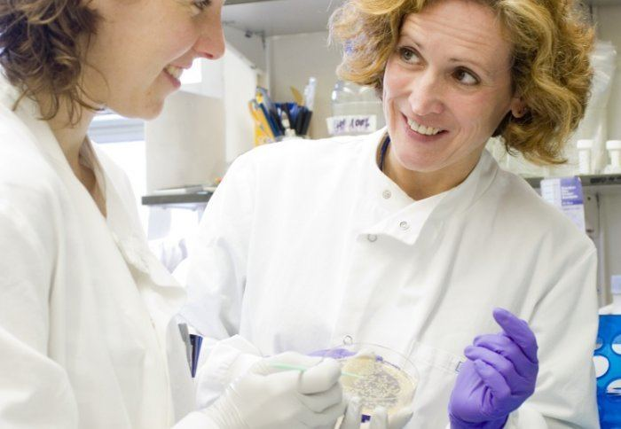 Wendy Barclay Professor Wendy Barclay on the resumption of H5N1 avian flu research