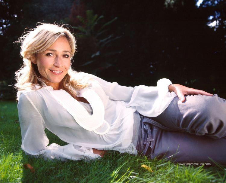 Wendy van Dijk wendyvandijk Kledingstijl leuk idee Pinterest Vans and Actresses