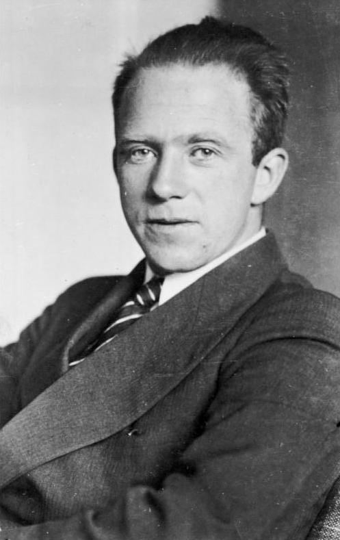 Werner Heisenberg httpsuploadwikimediaorgwikipediacommonsff