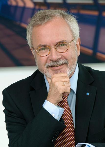 Werner Hoyer downloaddodocumentId57051ampbinaryTypelargeprvw