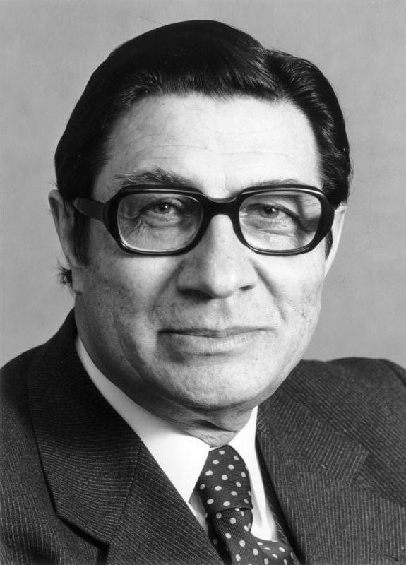 Werner Maihofer httpsuploadwikimediaorgwikipediacommonscc