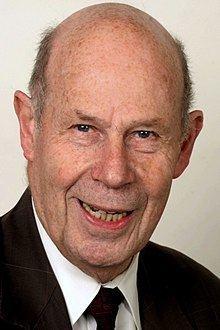 Werner Tochtermann httpsuploadwikimediaorgwikipediacommonsthu