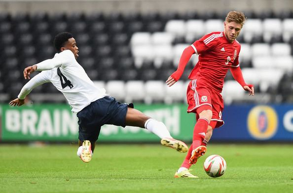 Wes Burns Nat Chalobah and Wes Burns Photos Wales U21 v England