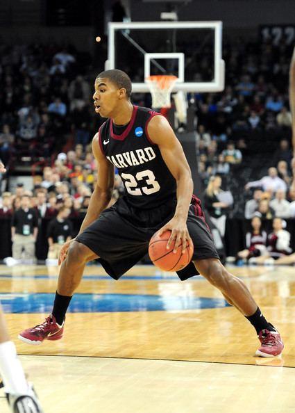 Wesley Saunders North Carolina ekes past Harvard 6765 Ivy Hoops Online