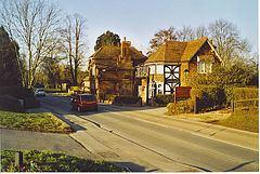 West Clandon httpsuploadwikimediaorgwikipediacommonsthu