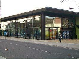 West Hampstead Thameslink railway station httpsuploadwikimediaorgwikipediacommonsthu