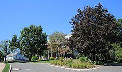 West Hill Historic District (West Hartford, Connecticut) httpsuploadwikimediaorgwikipediacommonsthu