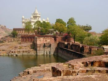Western India wikitravelorguploadsharedthumb004JaswantTh