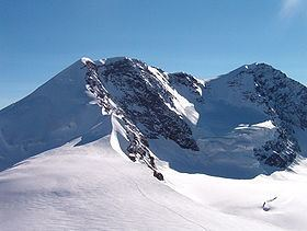 Western Lyskamm httpsuploadwikimediaorgwikipediacommonsthu