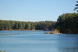 Weston Reservoir httpsuploadwikimediaorgwikipediacommonsthu