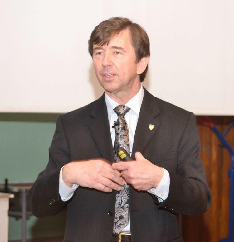 Wiesław Binienda prof Wiesaw Binienda W Krakowie i nie tylko w 2012 roku