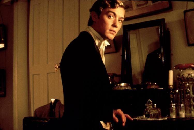 Wilde (film) movie scenes WILDE Jude Law 1998